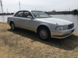Used Toyota CROWN MAJESTA