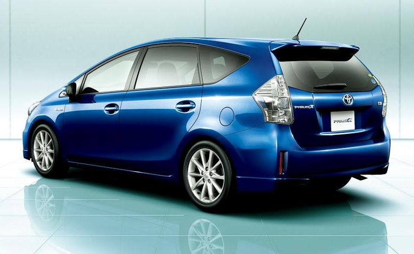 TOYOTA PRIUS ALPHA catalog - reviews, pics, specs and ...